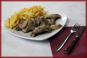 Chivo con patatas Restaurante Reyes